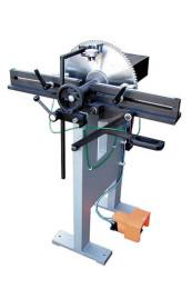 Spannungsprüfgerät mit Rund- und Planlaufprüfeinrichtung Typ SP 800 - P